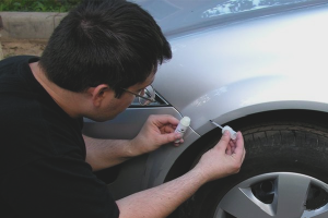How to paint chips on the car
