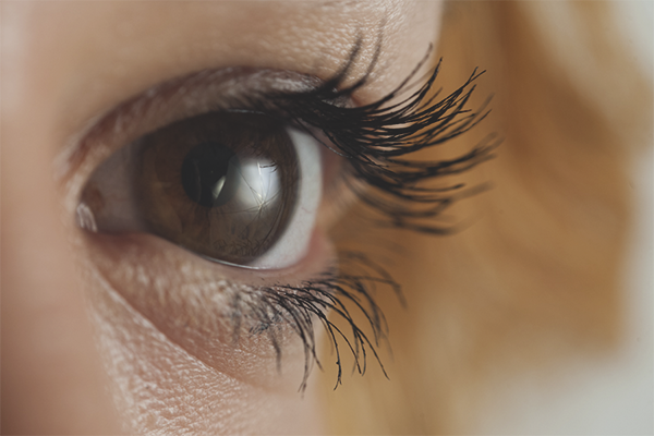 How to make the eyelashes longer and thicker