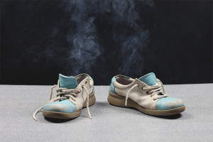How to remove unpleasant smell from shoes