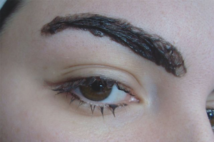 How to wash the eyebrow dye from the skin