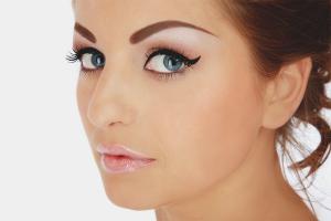 How to remove eyebrow tattoo