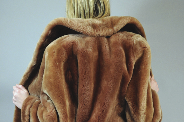 How To Clean A Mouton Fur Coat At Home, How To Wash A Mink Coat