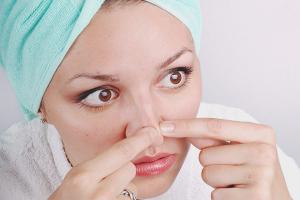 Comment se débarrasser des points noirs sur le nez