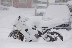 Comment ranger une moto en hiver