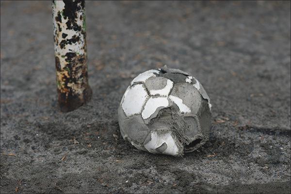 Làm thế nào để bơm một quả bóng mà không cần kim