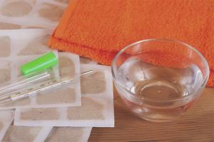 Πώς να βάζετε μουστάρδες όταν βήχετε