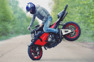 How to brake on a motorcycle