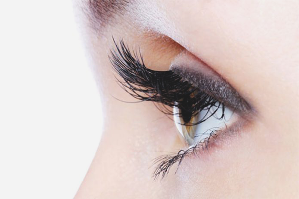 How to restore eyelashes after extension