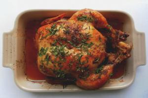 Comment faire mariner le poulet rôti au four