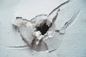 How to seal a hole in drywall
