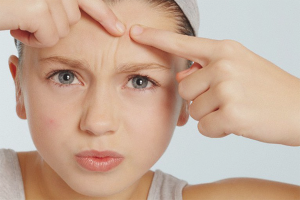 Comment se débarrasser de l'acné sous-cutanée sur le visage