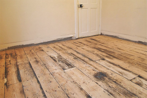 How to remove old paint from a wooden floor