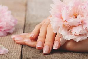 Πώς να φροντίζετε τα νύχια σας