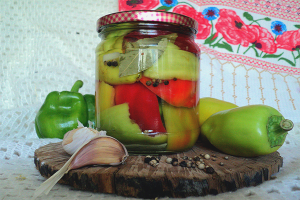 Comment mariner du poivre bulgare pour l'hiver
