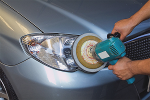 How to polish the headlights