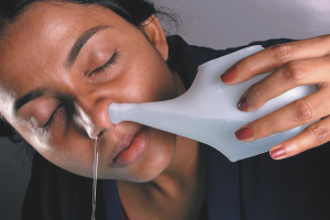 How to wash your nose with saline