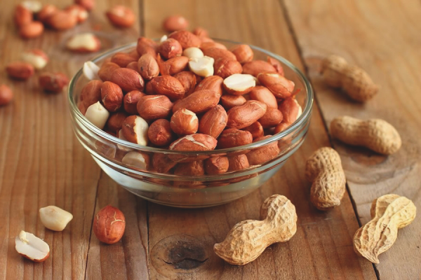 The benefits and harm of peanuts
