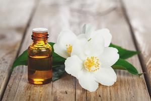 Jasmine oil for hair