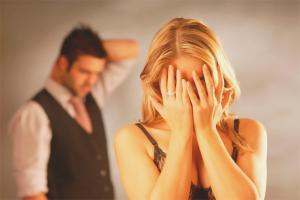 Πώς να επιβιώσετε από την προδοσία του συζύγου της