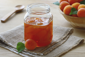 How to cook apricot jam