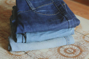 How to lighten jeans