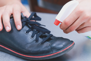 How to disinfect shoes from fungi