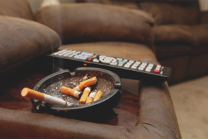How to get rid of the smell of tobacco in the apartment
