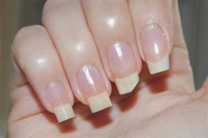 Comment faire pousser vos ongles plus vite