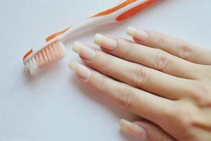 Comment enlever la saleté sous les ongles