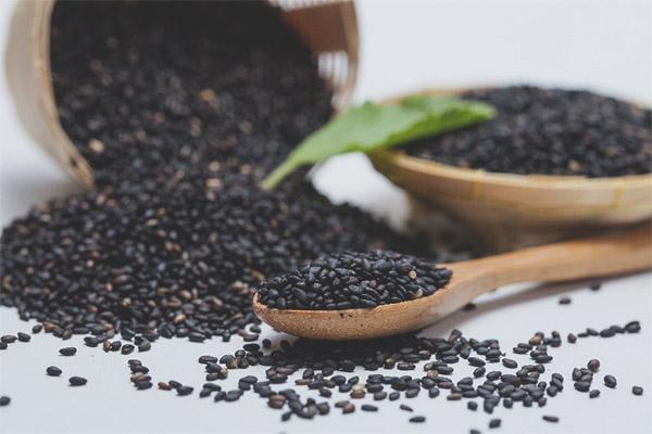 Useful properties and contraindications of black sesame