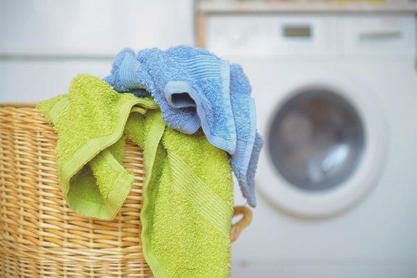 Comment laver les serviettes de cuisine sales