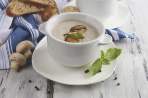 Soupe de champignons d'allaitement