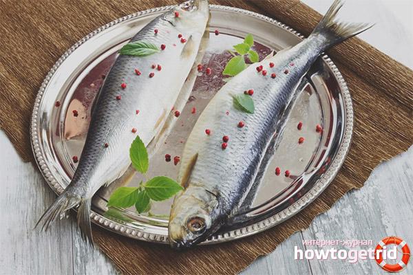 How to eat herring nursing mother