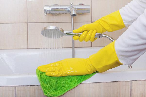 Comment enlever le calcaire dans la salle de bain