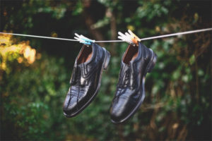 How to dry shoes from the inside
