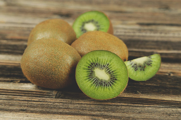 Breastfeeding kiwi