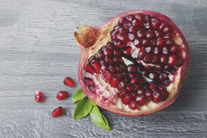 Can pregnant women eat pomegranate