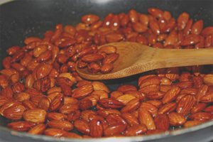 How to fry almonds