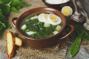How to cook sorrel soup with egg