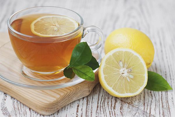 Beneficii și efecte negative asupra ceaiului de lămâie
